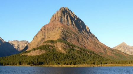 Free Grinnell Point is on the Swiftcurrent Lake in Glacier Park