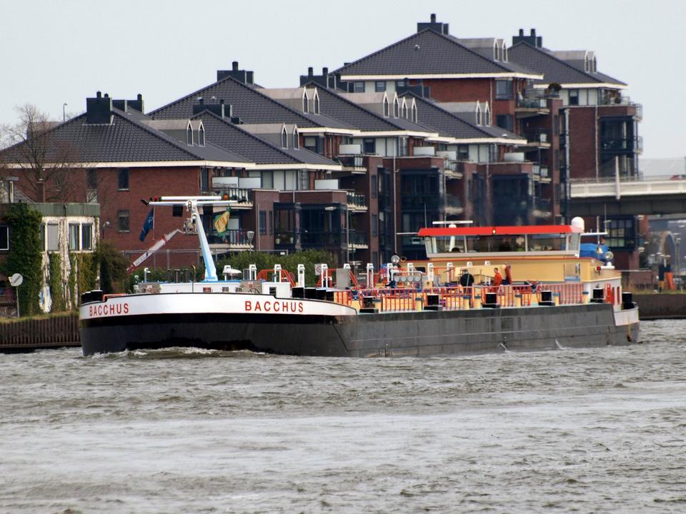 Free the Amsterdam-Rhine Canal