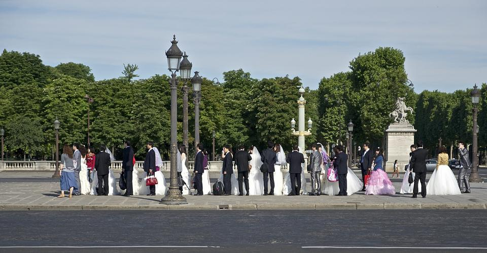 Free Sensual wedding Couples in Concorde Paris