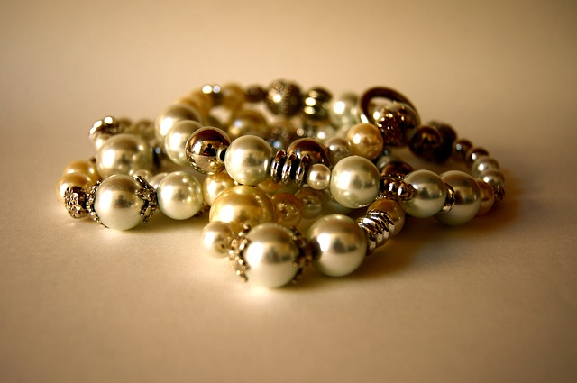 Free jewellery chain luxury noble woman money buy