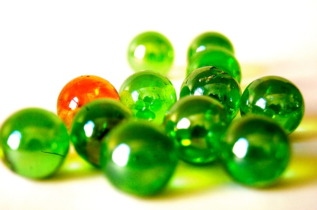 Free glass marble colorful green pearl roll ball