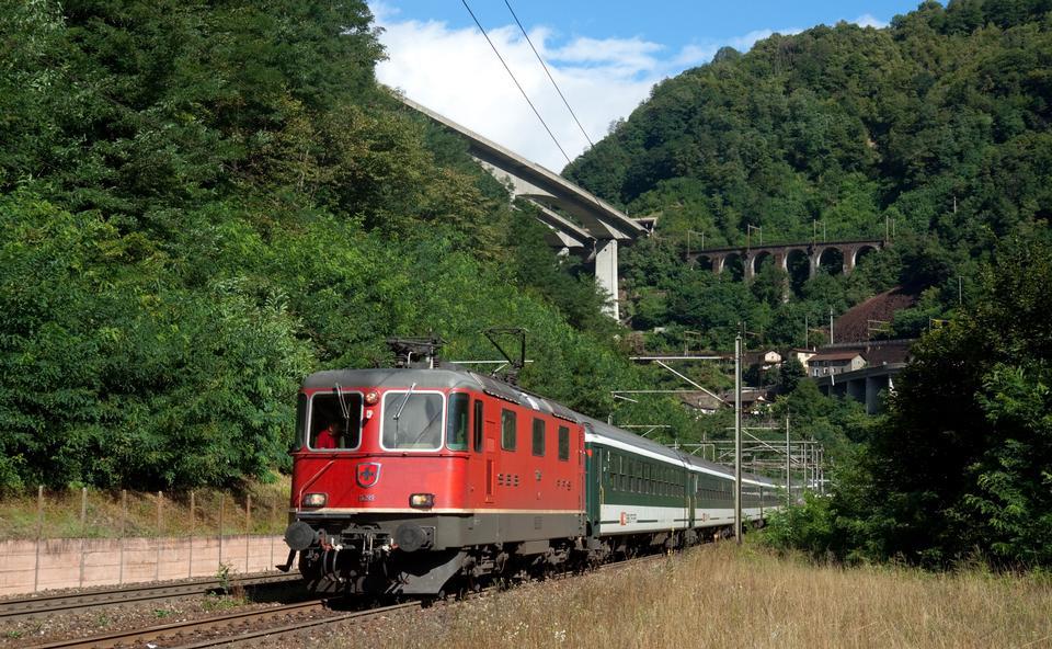 Free Glacier Express of Matterhorn-Gotthard railway