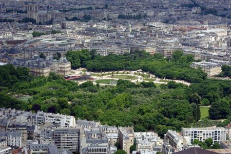 Free Bird view on Paris with the Luxembourg Palace and Notre Dame