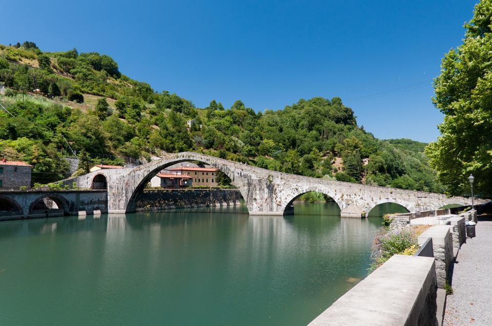 Free Ponte della Maddalena across the Serchio. Tuscany