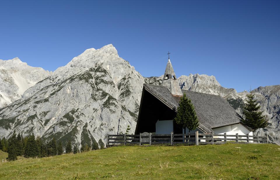 Free Church Walder Alm in Gnadenwald, Austria