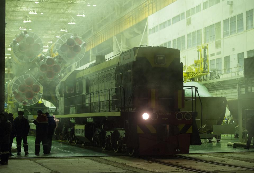 Free Expedition 34 Soyuz Rocket Rollout
