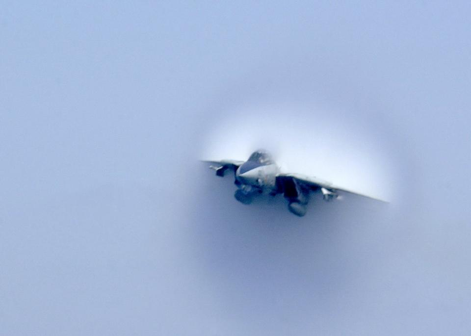 Free reaches the sound barrier during a low altitude super sonic fly