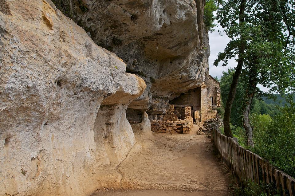 Free France, l Abri de la Madeleine troglodytic site in Tursac