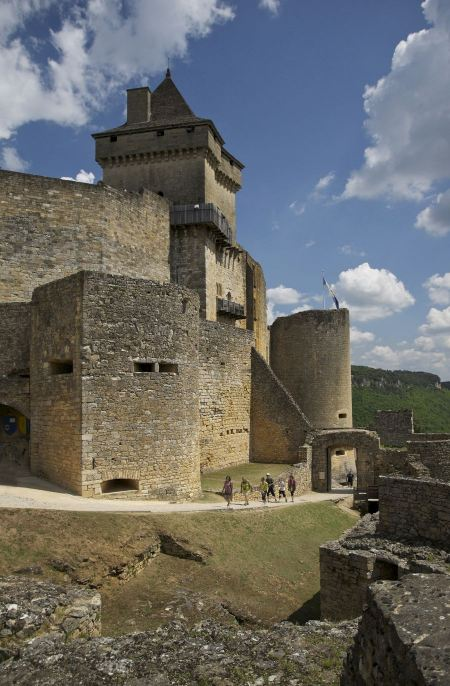 Free Castelnaud, the village and its castle