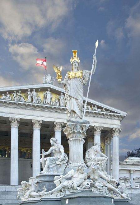 Free Famous statue of Pallas Athena in front of the Austrian Parliamen