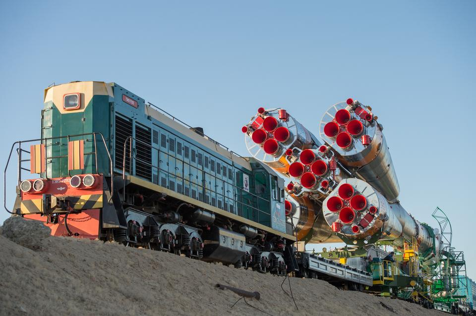 Free Soyuz Rolls Out to Launch Pad