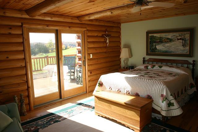 Free log home master bedroom bed logs cabin