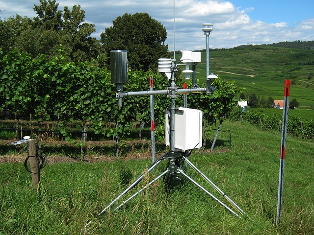 Free meadow mountain hill weather station