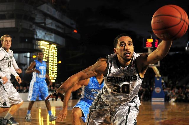 Free               basketball sports teams players court grasp