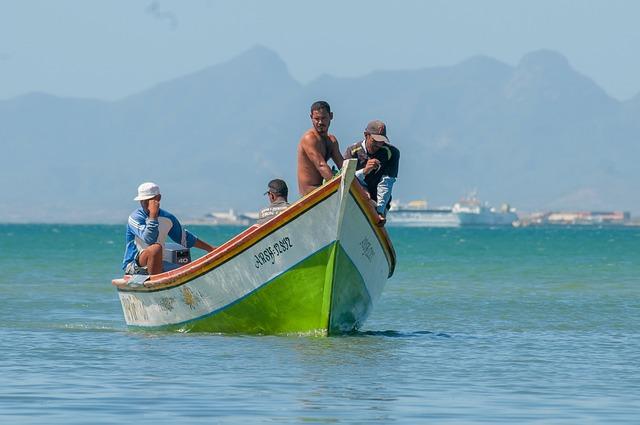 Free margarita island fishermen boat men bay harbor
