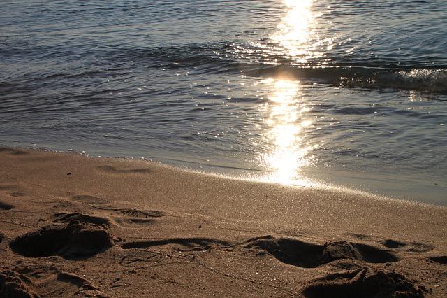 Free beaches sand waves sunrise reflections wave