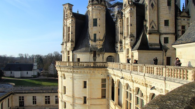 Free chambord towers castle