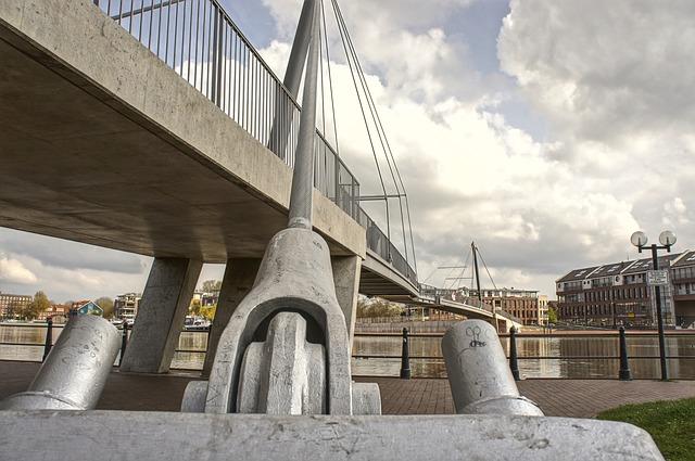 Free bridge cable steel construction suspension bridge
