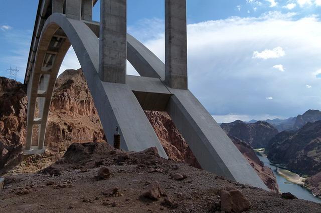 Free bridge span concrete construction building road