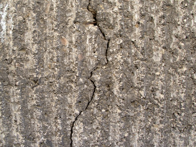 Free crack weathered wall stone cement building