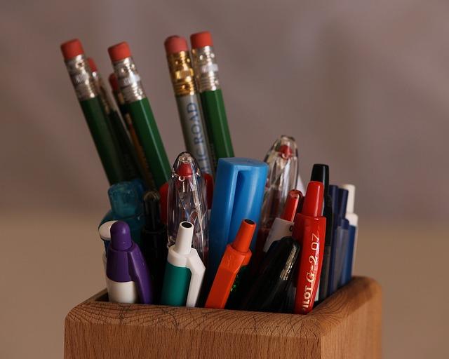 Free pencils ink pens pencil box lead graphite