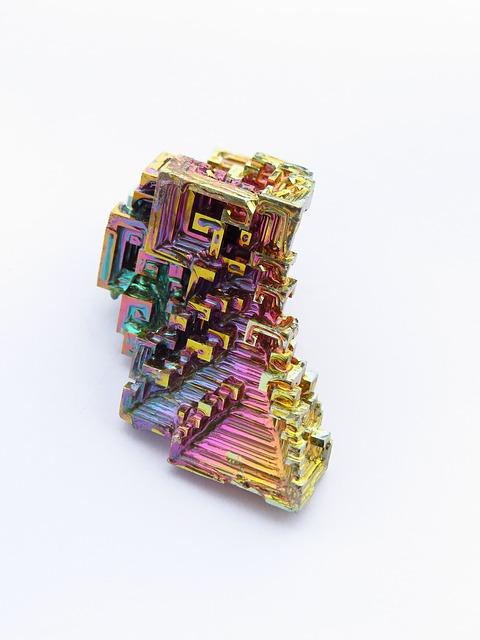 Free mineral iridescent bismuth bismuth crystal