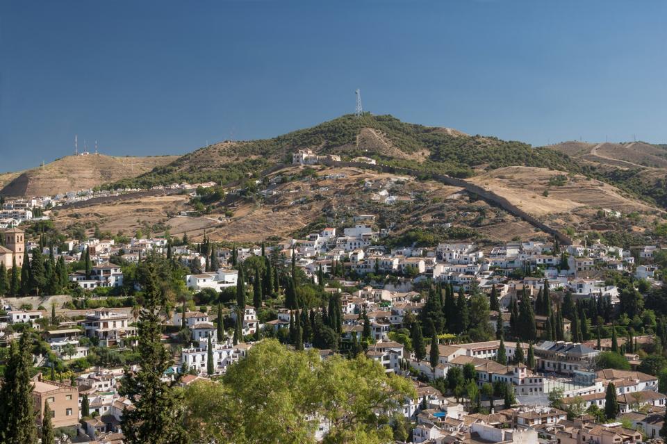 Free Alhambra, the old neighborhood of Albayzin Granada, Spain