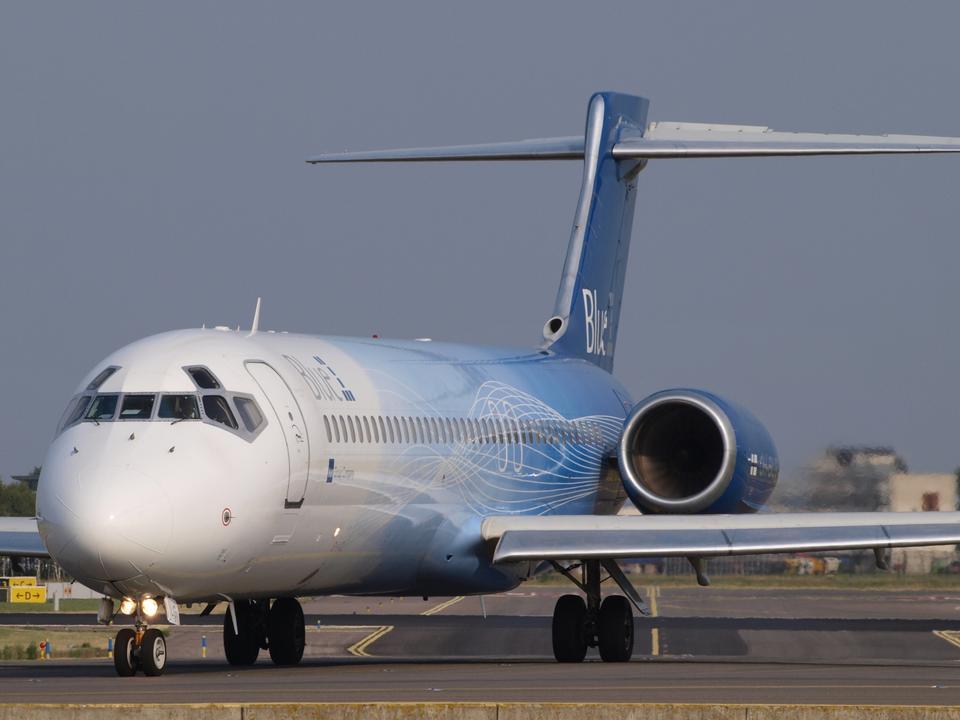 Free Boeing 717-2CM aircraft