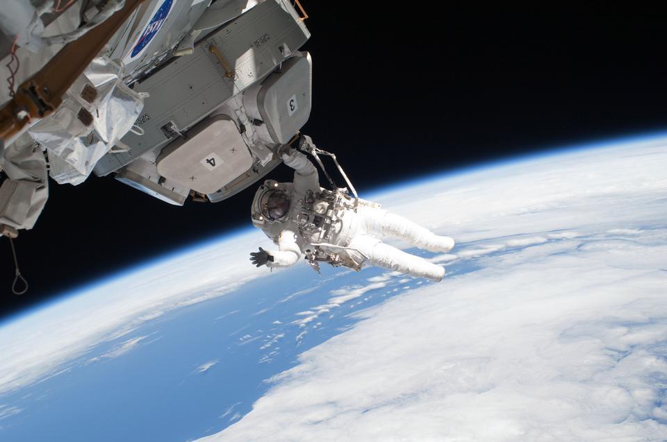 Free Spacewalk ISS