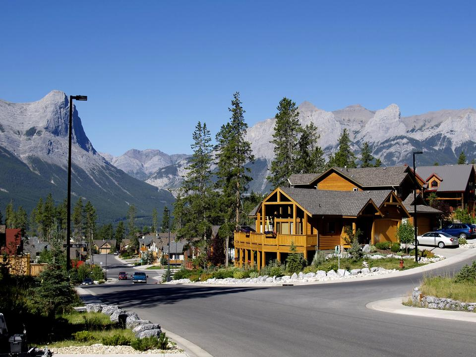 Free Canmore Town in Canada
