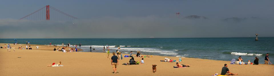 Free Crissy Field beach on San Francisco Bay
