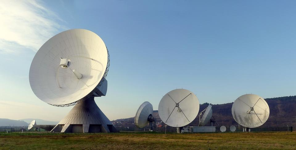 Free A radio telescope array