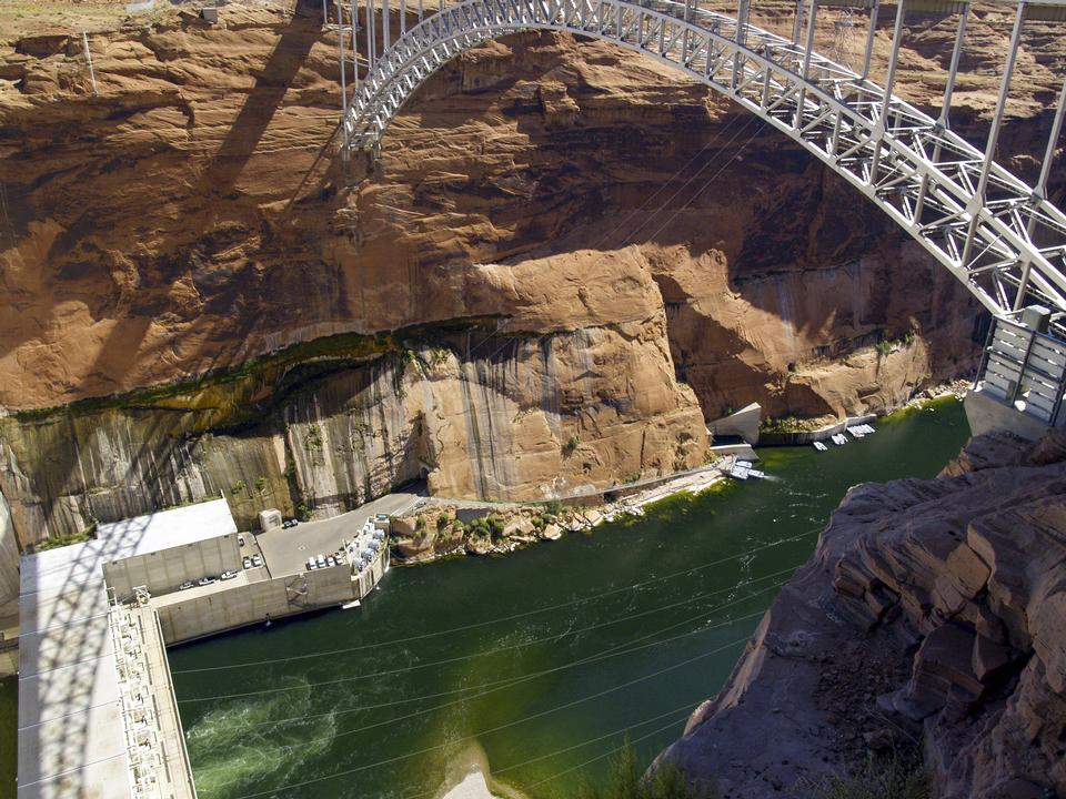 Free Glen Canyon Dam on the Colorado River in northern Arizona