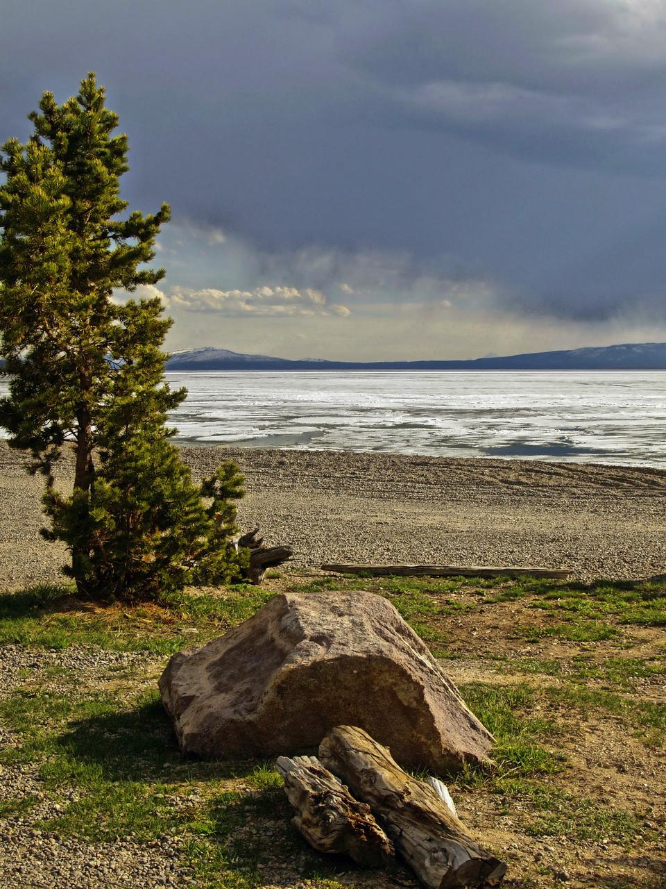 Free Yellowstone Lake Wyoming