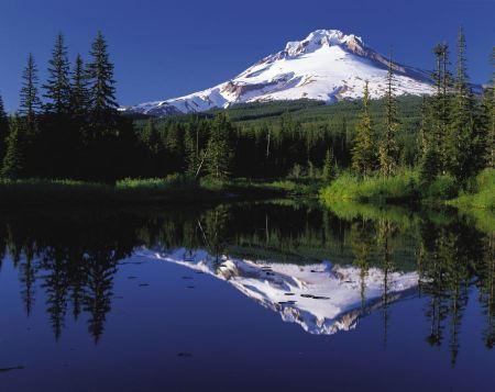 Free Mount Hood reflected in Mirror Lake, Oregon