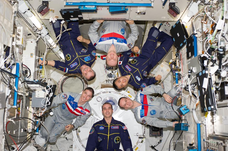 Free Expedition 38 Takes an In-Flight Crew Portrait