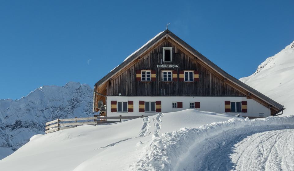 Free The Potsdamer Hütte in the Stubai Alps