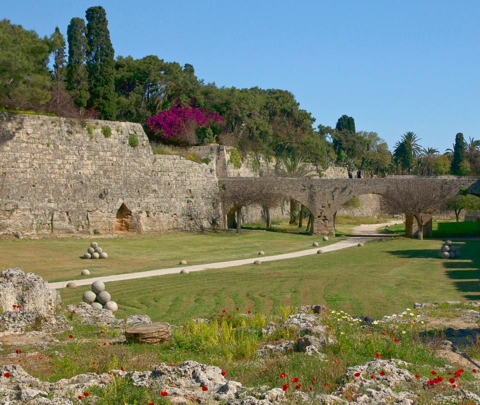 Free The moat of the medieval city of Rhodes