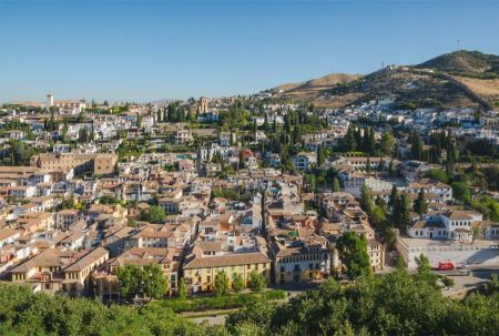 Free Alhambra, the old neighborhood of Albayzin