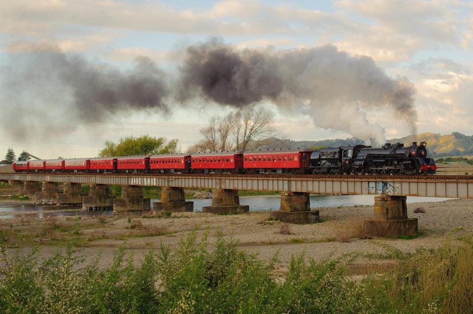 Free Train crossing the Otaki River