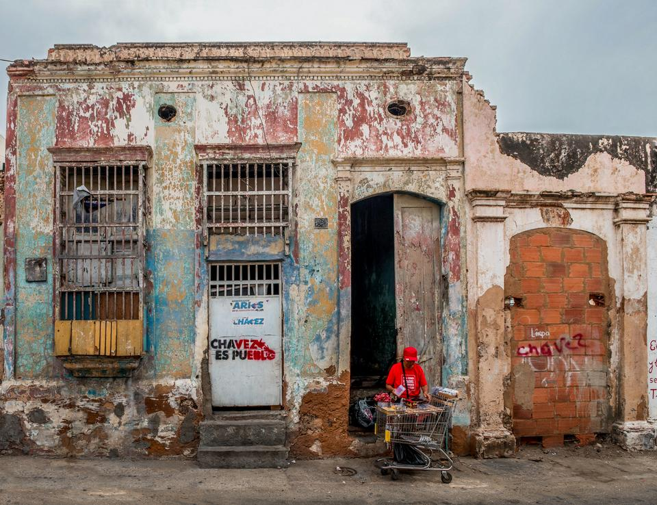 Free Typical colonial house from downtown Maracaibo