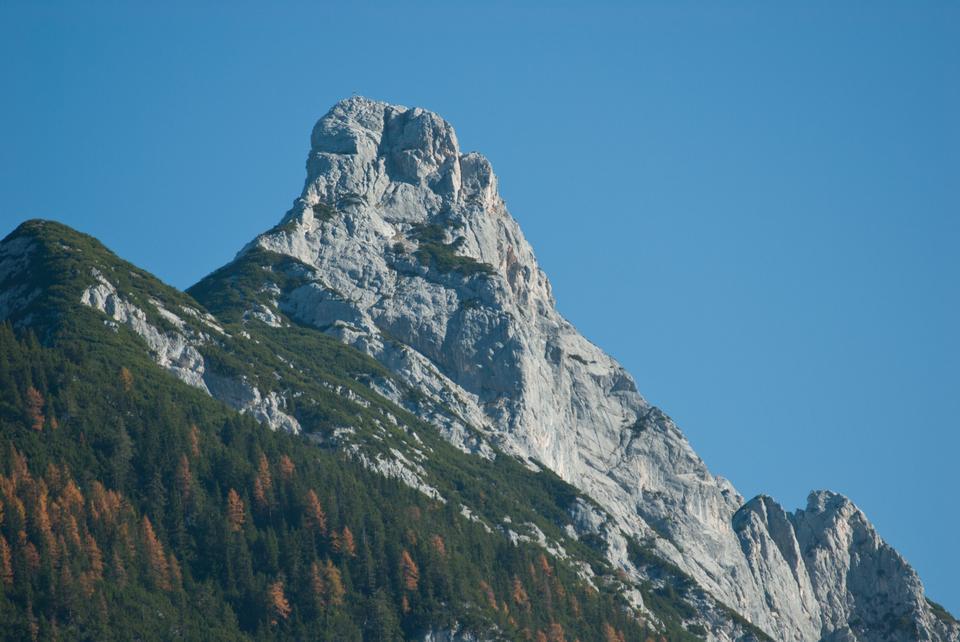 Free Arnplattenspitze from Leutasch near Weidachsee