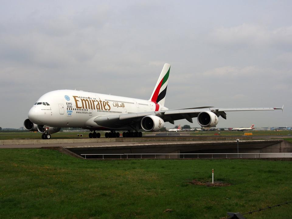 Free Emirates Airline in  Amsterdam airport