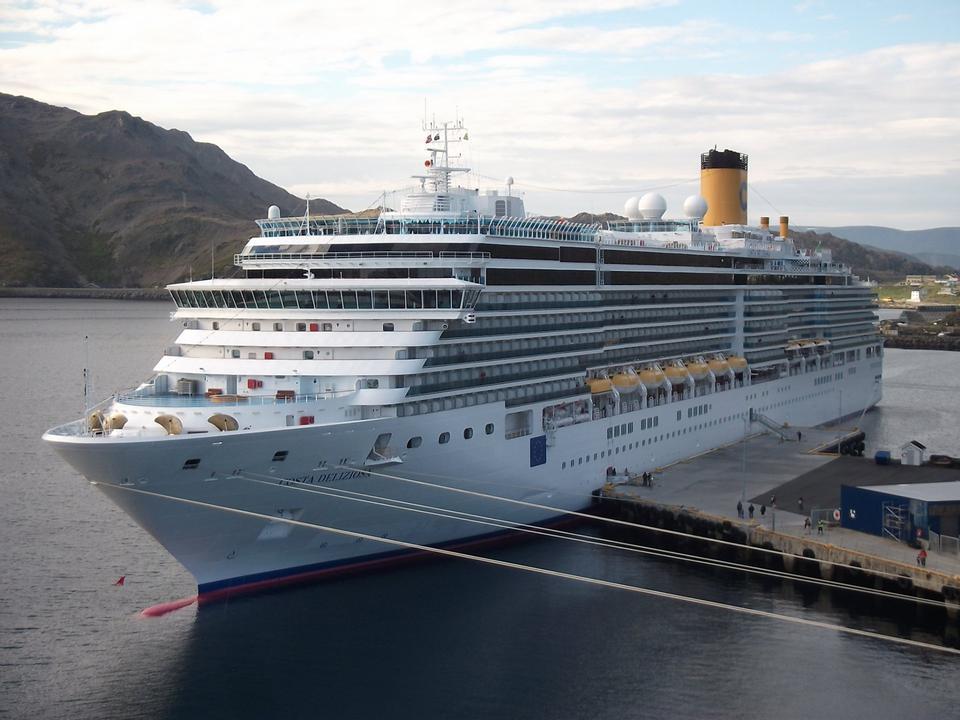 Free Cruise Ships Docked