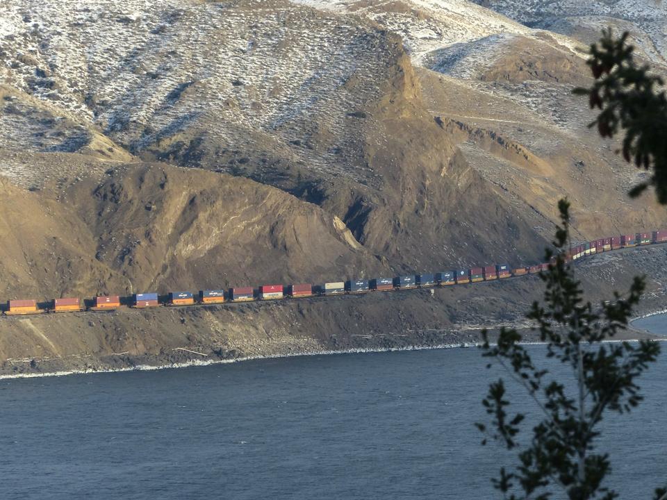 Free Freight Train Kamloops Lake