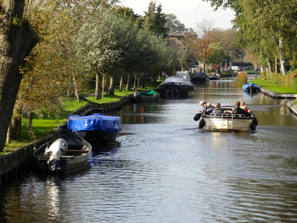 Free canal boats