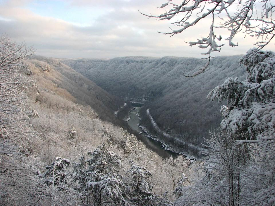 Free snow covering New River Gorge near Canyon Rim