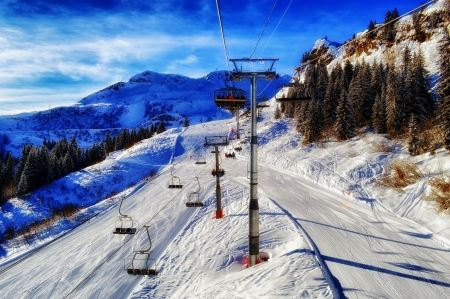 Free Mountain ski resort with snow in winter