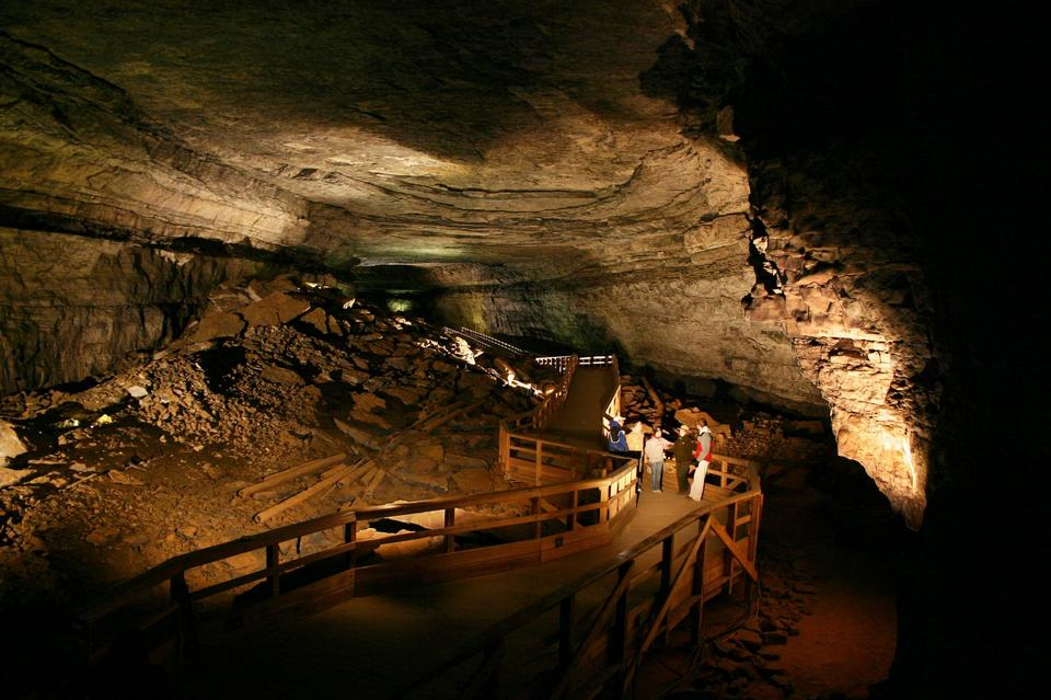Free Main Cave, inside Mammoth Cave
