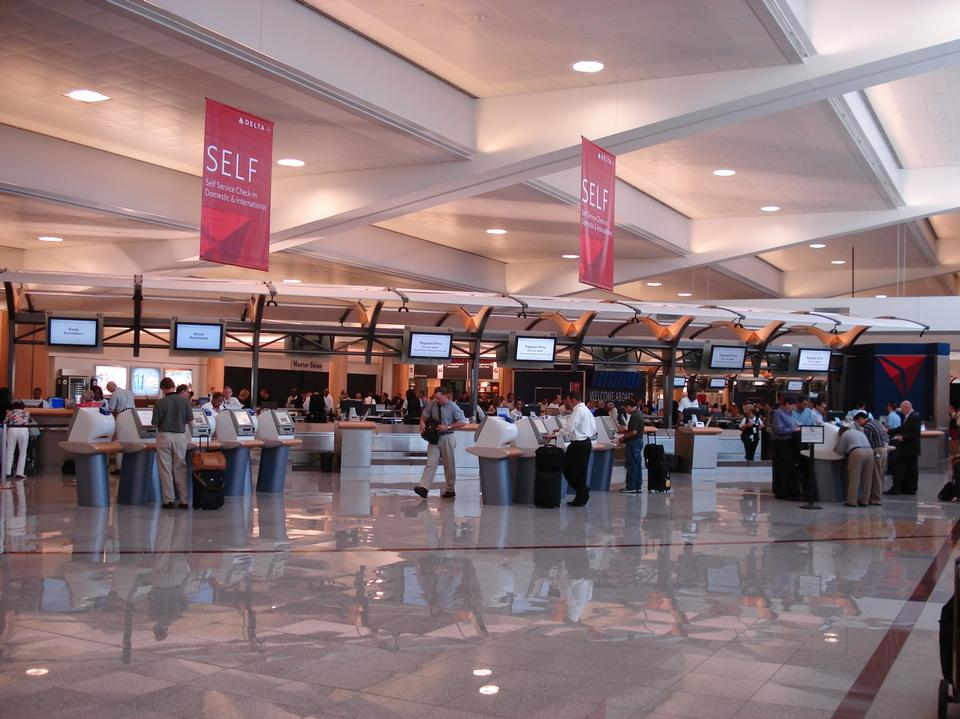 Free manned ticketing counters for Delta, Atlanta